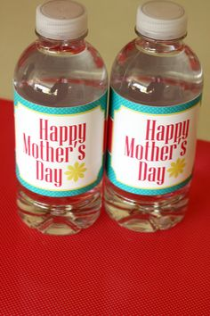 Free Mother's Day Printables, including water bottle labels - so cute! #mothersday