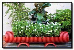 Garden design with garden junk ideas how to create unique garden art from junk with eggplant Garden Web, Garden Junk, Herb Garden, Garden Design, Garden Pots, Large Garden Planters, Planter Garden, Balcony Garden, Outdoor Planters
