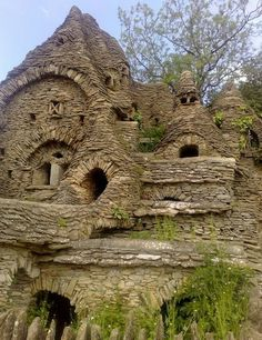 13 Hobbit Houses. You Won't Believe That People Actually Live In. - The Hobbit House in the Cotswolds
