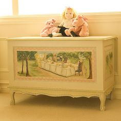 Little girl's toybox