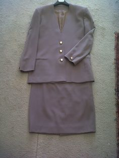 Fall Max Mara 70s suit (jacket and skirt)