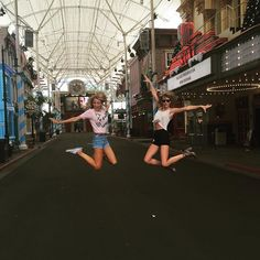 Yesterday was such an amazing day off-- roller coasters, kangaroos and LOLs with @theblakelively