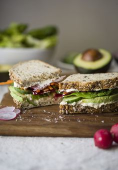 Vegetable Sandwich With Avocado And Hummus
