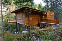More ideas below: Amazing Tiny treehouse kids Architecture Modern Luxury treehouse interior cozy Bac Flathead Lake Montana, Cozy Backyard, Backyard Kids, Tree House Designs, Build A Playhouse, Cabins And Cottages, Log Cabins, Cabins In The Woods, Play Houses