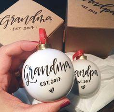 Pregnancy announcement ornament