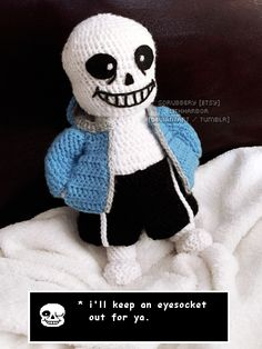 It's Sans the Skeleton! I love his big toothy yarn grin.I'm gonna try to make Papyrus eventually. Undertale - Sans the Skeleton Crochet Amigurumi Free Patterns, Crochet Dolls, Crochet Yarn, Love Crochet, Crochet Skull, Crochet Geek, Undertale Plush, Cultural Crafts, Plush Pattern
