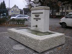 Fancy Brunnen restauriert Material Muschelkalk Bronzeschrift Restauriert und neu Patiniert