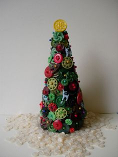"""vintage button christmas tree"" 