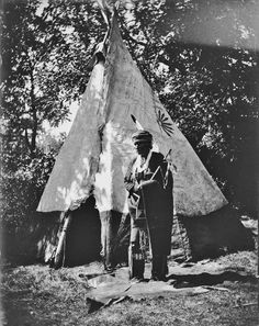 Free archive of historic Native American Indian Tribes Photographs, Pictures and Images. Photographs promote the Native American Tribes culture Indian Tribes, Native American Tribes, Native American History, Sioux Nation, Indian Pictures, Indian Village, Vintage Farm, Historical Photos, Nebraska
