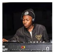 """Here is another track for our Amapiano lovers, it was produced and mastered by Vigro Deep. This one is titled """"My Name is Vigro Deep (Pheli Dance mix)"""". Mp3 Music Downloads, Mp3 Song Download, Hugh Masekela, Comedy House, Ladies Video, Bbc, Deep Time, Latest Albums, Video New"""