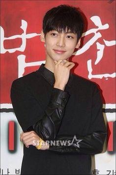 Kwangmin Boyfriend Kpop, Love Boyfriend, Korean K Pop, Fans Cafe, Starship Entertainment, Kpop Groups, Kdrama, Rapper, Twins