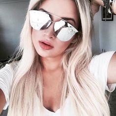Novo Dior Reflected Pixel nos olhos da @liviabrasilc  Perfeito para os apaixonados por óculos espelhados  #oticaswanny #diorreflected