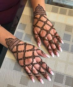 Simple mehndi designs for hands to kick start the ceremonial fun. If elaborate henna designs are a bit too much for you, then check out these henna designs. Pretty Henna Designs, Indian Mehndi Designs, Henna Art Designs, Mehndi Designs For Beginners, Modern Mehndi Designs, Mehndi Design Pictures, Mehndi Designs For Girls, Simple Arabic Mehndi Designs, Wedding Mehndi Designs