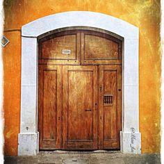 Doors by Mau_ku. (Antigua Guatemala)