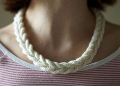 Olgajazzy Cabled Necklace. This is simple and lovely. Good for bits of yarn!