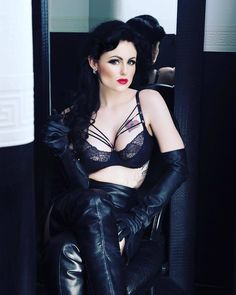 """11 Likes, 1 Comments - Chris, Love Women In Leather (@beauties_in_leather) on Instagram: """"Beauty in hot leathergloves @madameprovocateur #shoes #shoeporn #shoestagram #instafashion…"""""""