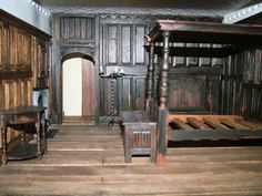 Dolls' Houses and Miniatures: Tudor in Miniature Miniature Rooms, Miniature Crafts, Haunted Dollhouse, Dollhouse Miniatures, Dollhouse Design, Amsterdam Houses, English Country Style, Medieval Houses, Tudor House