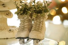 mistletoe stuffed skates with sparkle