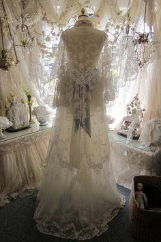 The Sheelin Antique Irish Lace Museum & Shop, Bellanaleck near Enniskillen, Fermanagh, Northern Ireland Antique Lace, Vintage Lace, Vintage Dresses, Vintage Outfits, Vintage Clothing, Wedding Vintage, Vintage Style, Wedding Attire, Wedding Gowns