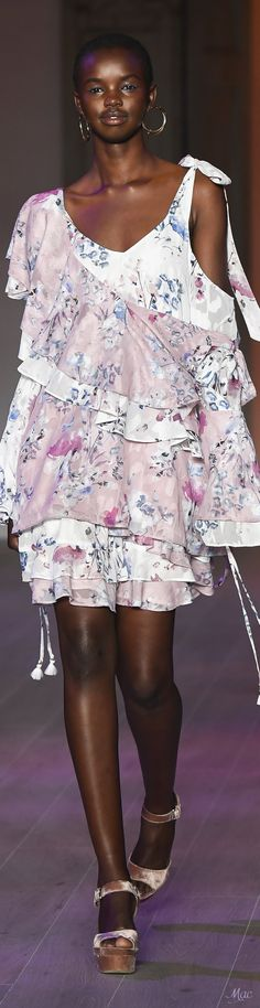 Resort 2018 We Are Kindred