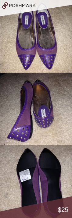 """Steve Madden used flats 🎄🎁 December Snowflake Special FREE GIFT with every purchase! ❄️☃️ Purple suede pointed flats with gold studs and purple leather  detail, size 6.5 style """"p-Sheila"""" Steve Madden brand used condition, bottoms very clean Steve Madden Shoes Flats & Loafers"""