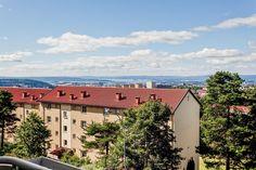 FINN – Tonsenhagen - Lekker 3-roms selveierleilighet med panorama fjordutsikt… Screens, Real Estate, Mansions, House Styles, Home Decor, Rome, Canvases, Decoration Home, Room Decor