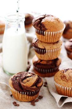Buram buram muz kokan bir mutfak, sevgiyle pişen yumuşacık kekler, bir elinde koca bardak süt; mutlulukla gülümseyen gözler.. Çok değil...