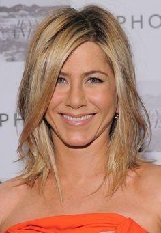 color- medium hair style. Love her strawberry blonde..