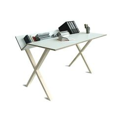 A little bit in love with this desk from Kant.