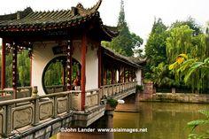 helpful people and travel - Chengdu, China