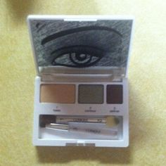 New Clinique  Color surge eye shadow trio....sable   Sparkling sage.   Day break.  With contouring info on mirror with step 1 2 3 on brush/applicator Clinique Other