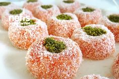 10 Easy Recipes On Ideas Good Food, Yummy Food, Mediterranean Dishes, Sweet Pastries, Arabic Food, Granola, Delicious Desserts, Food And Drink, Cooking