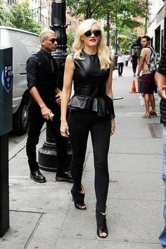 Fantastic outfit and peeptoe shoes. Gwen Stefani