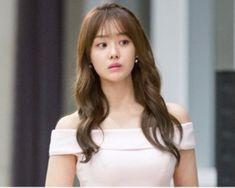 Shoulder Length Hair Men, Sung Hoon My Secret Romance, Korean Tv Series, Girl Actors, One Night Stands, Kdrama Actors, Korean Actresses, Guys And Girls, Korean Beauty