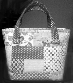 "SEW SWEETNESS BAG ENTRY>""ARABESQUE PATTERN"" used for  my all grey+white bag>So Fun!     #SewSweetnessPattern."