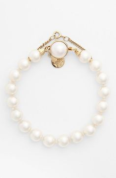 Beautiful round pearls lend timeless style to this classic piece that can be worn everyday or on special ocassions