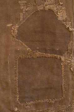 Heavily stitched & mended (boro) sakabukuro (cotton bag) used to filter raw sake. Motifs Textiles, Textile Fabrics, Cotton Textile, Boro, Visible Mending, Make Do And Mend, Japanese Textiles, Kintsugi, Fabric Manipulation