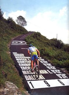 The Wall of Sormano, in the province of Como, Italy. Is a road with such a legendary slope (experienced as virtually 'vertical' by cyclists) Inserted by Vincenzo Torriani in the Giro di Lombardia in the 1960 – 1962 – in order to make the race, which. Cycling Art, Cycling Bikes, Mountain Bicycle, Mountain Biking, Cycling Motivation, Road Bikes, Plein Air, Bike Life, Courses
