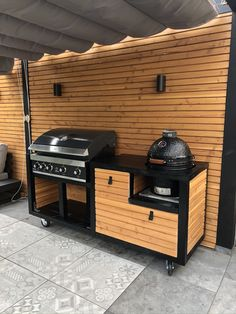 Green Egg Bbq, Outdoor Bbq Kitchen, Welded Furniture, Grill N Chill, Kamado Grill, Charcoal Bbq, Gas Bbq, Bbq Area, Backyard Patio Designs
