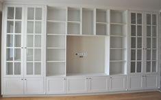 Znalezione obrazy dla zapytania zabudowa salonu biała