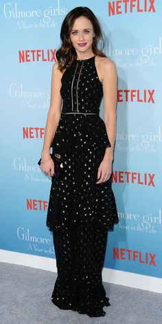 Alexis Bledel hit the premiere of Netflix's Gilmore Girls: A Year in the Life in a gold polka-dot ruffled Cynthia Rowley gown Gilmore Girls Netflix, Rory Gilmore, Celebrity Red Carpet, Celebrity Style, Gilmore Girls Fashion, Beautiful Dresses, Nice Dresses, Alexis Bledel, Gilmore Girls
