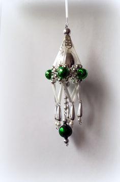 Vánočni+ozdoba+z+foukaných+perel+Lustřík+zelený