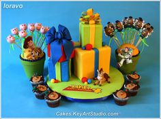 Toy Story Cake, Cupcakes and Cake Pops, via Flickr.