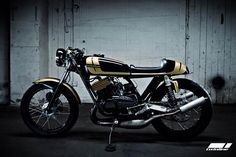 1975 Yamaha RD350 Project Goldhead Screen by Twinline Motorcycles