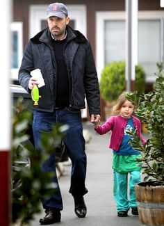 Ben Affleck and his middle child, Seraphina.