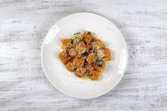 Dýňové noky se šalvějovým máslem | Apetitonline.cz Risotto, Chicken, Meat, Ethnic Recipes, Hokkaido, Cubs