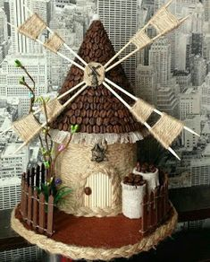 Para el día del padre haz un lindo molino de viento de cartón ~ lodijoella Craft Stick Crafts, Diy And Crafts, Crafts For Kids, Paper Crafts, Glass Bottle Crafts, Bottle Art, Coffee Bean Art, Coffee Crafts, Burlap Crafts