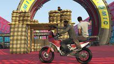 Depuis hier et jusqu'au 7 Décembre prochain, un event spécial vous attend dans Grand Theft Auto Online avec les GTA$ et les RP doublés dans les modes Capture d'ozone, Abus de pouvoirs et Passe d'armes. Faire augmenter le niveau de votre personnage ne sert pas à grand-chose mais en revanche, pour pouvoir acheter tout ce que Rockstar propose ces dernières semaines c'est plutôt utile. En plus, des promotions de -50% sur les bureaux, des véhicules et des armes vous seront aussi proposées alors…