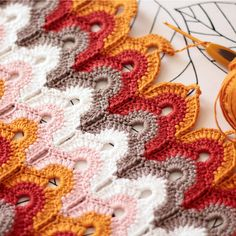 Learning a new crochet stitch. - Maren Rohling - Learning a new crochet stitch. Learning a new crochet stitch. Crochet Ripple, Crochet Motifs, Crochet Stitches Patterns, Tunisian Crochet, Crochet Designs, Knitting Stitches, Free Crochet, Stitch Patterns, Knitting Patterns