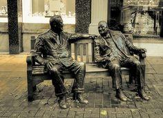 The Allies Statue (Churchill & Roosevelt) - Croisement Old & New Bond Street London View, Bond Street, Roosevelt, Churchill, Old And New, Lion Sculpture, Statue, Fictional Characters, Art